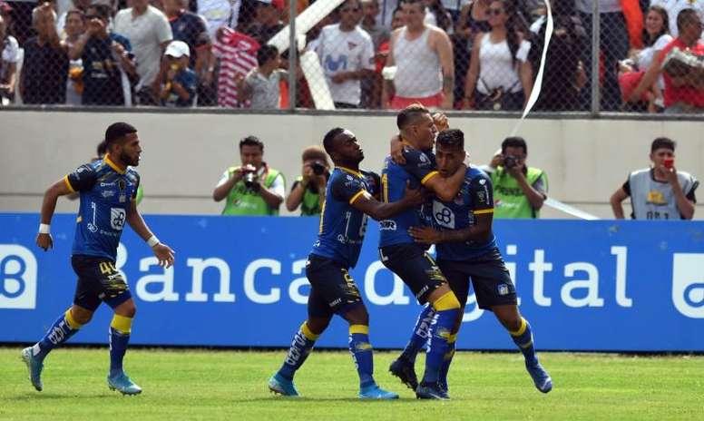 Delfín mandaba por 0-2 antes de la suspensión. EFE/Ariel Ochoa/Archivo