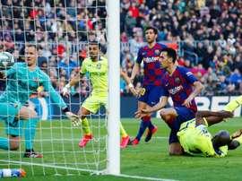 Barcelona já pode contratar novo jogador. EFE/Enric Fontcuberta