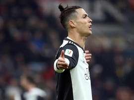 Cristiano adaptou o treino para ter sua melhor versão quando o futebol voltar. EFE/EPA/MATTEO BAZZI