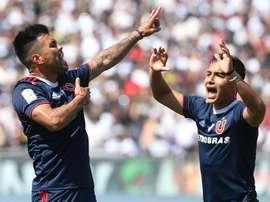 La violencia afea la jornada en el fútbol chileno. EFE/Elvis González/Archivo
