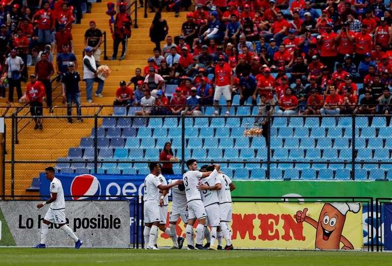 Guatemala suspende el campeonato. EFE/Esteban Biba/Archivo