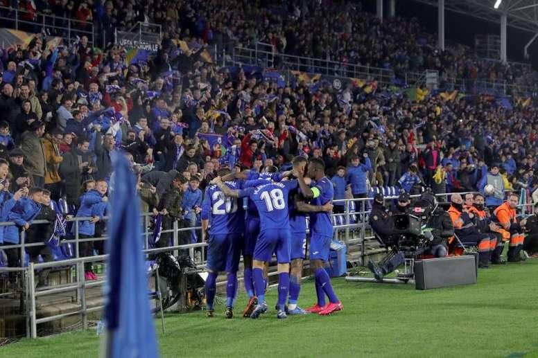 La UEFA estudia el mecherazo. AFP