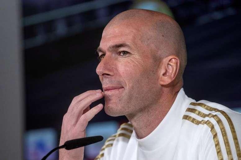 Zidane apoiaria vontade de Sergio Ramos. EFE/Rodrigo Jiménez