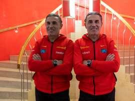 El entrenador de la selección española, Sergio Scariolo, atiende a los medios durante la concentración del combinado nacional en Zaragoza donde el próximo domingo disputa el partido clasificatorio para el Eurobasket 2021 ante Polonia. EFE/Javier Belver
