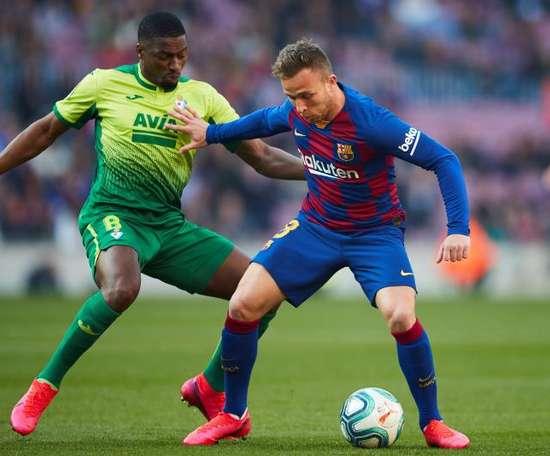 Arthur reste au Barça, selon sa mère. EFE