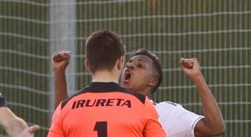 Rodrygo marca, provoca goleiro rival e é expulso. Captura/RealMadridTV