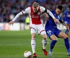 Van de Beek, entre o Real Madrid e o Manchester United. EFE/Rodrigo Jiménez