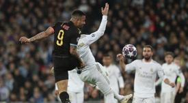 Un ancien arbitre de Liga n'a pas vu de faute sur Ramos. EFE