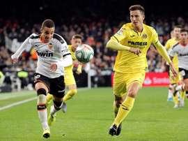 Pau Torres confía en empezar de nuevo con el pie derecho. EFE