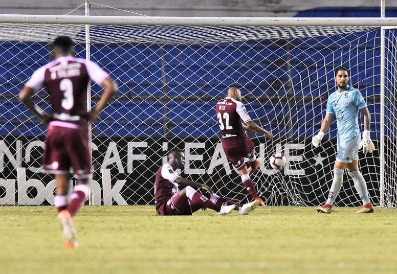 Saprissa quedó eliminado tras empatar en Montreal sin goles. EFE/Archivo