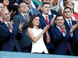 La reina Letizia al inicio de la final de la Copa de la Reina de fútbol, el pasado mes de mayo en Granada. EFE/Jorge Zapata/Archivo