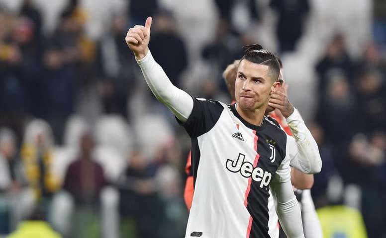 Sarri Wants Juve To Give Ronaldo A Gift In Serie A Showdown With