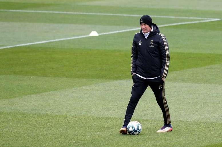 Time de Zidane deve buscar reforços para o meio de campo na próxima janela. EFE/Chema Moya