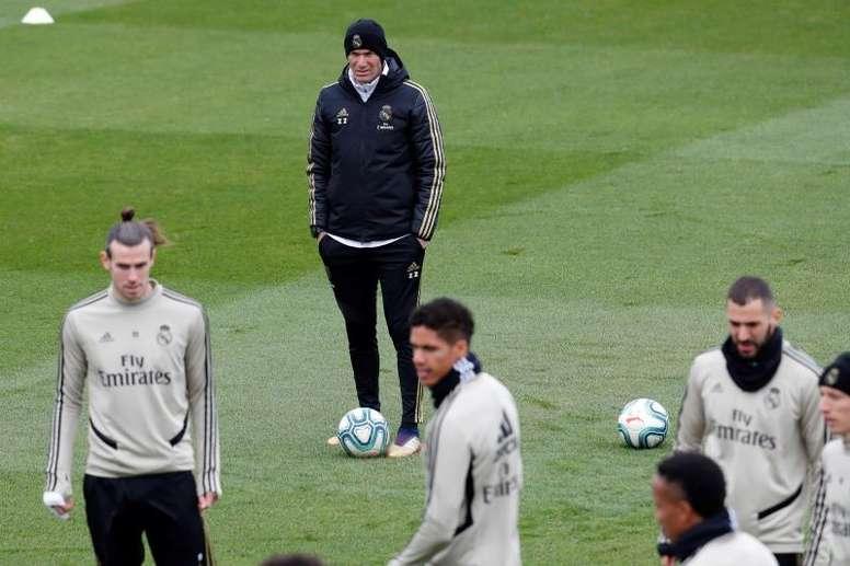 Reforços caseiros para Zidane. EFE