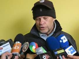 Carlos Ischia, nuevo técnico de Delfín. EFE