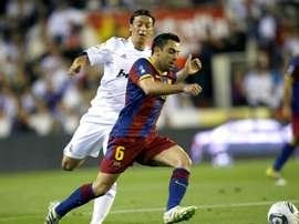 Özil relembra seus tempos de Real Madrid. EFE/Victor Lerena