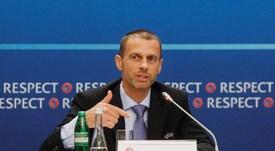 La UEFA negó que el 3 de agosto sea el límite para acabar los torneos. EFE