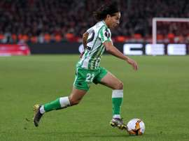 Lyon want the Mexican player. EFE