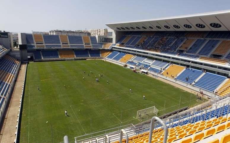 El Cádiz colabora para fabricar pantallas de protección contra el COVID19. EFE