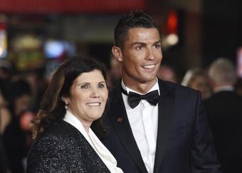 La madre de Cristiano quiere verlo de nuevo en el Sporting de Portugal. EFE