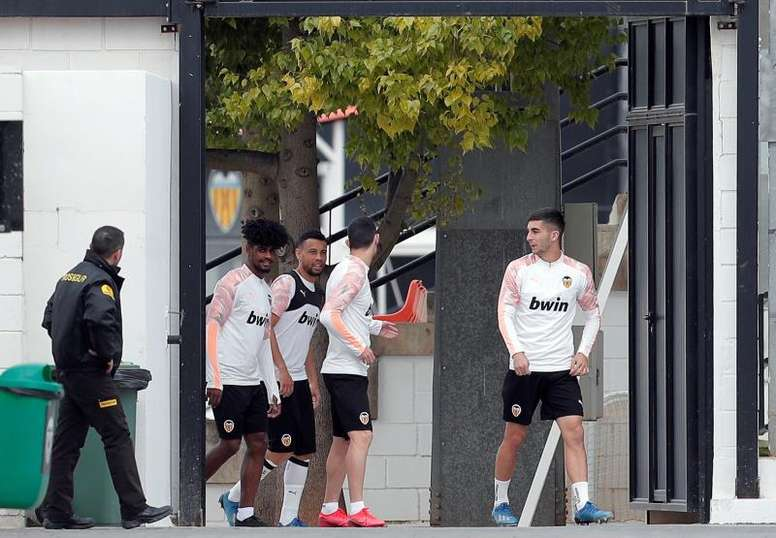 Up to 5 Valencia players test positive for COVID-19. EFE