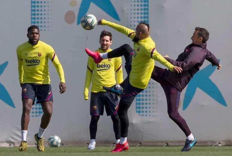 Los capitanes del Barcelona decidirán si aceptar la propuesta del club. EFE/Enric Fontcuberta