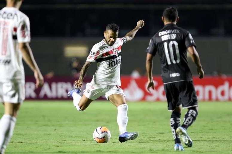 Sao Paulo revive en otro reto cumplido de la leyenda Dani Alves - BeSoccer