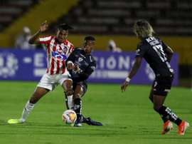 Independiente del Valle se reafirma con seguridad ante Junior. EFE