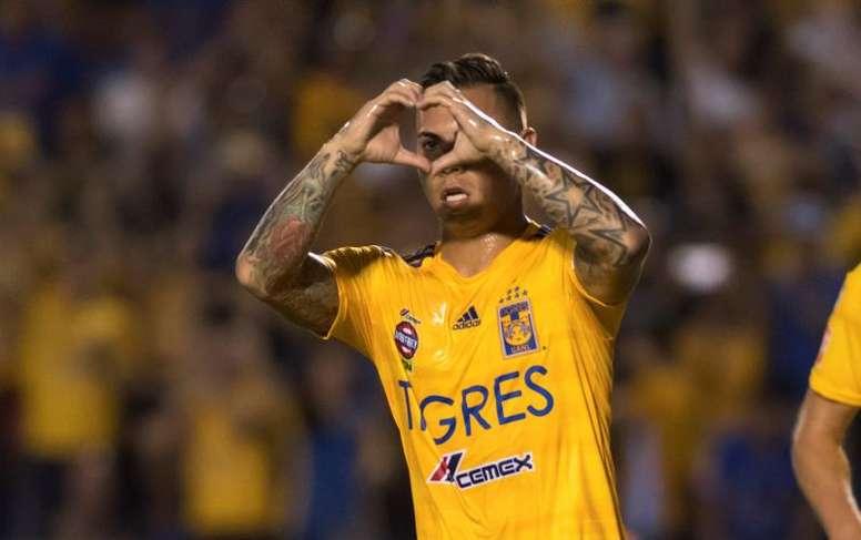 Eduardo Vargas é interesse de Sampaoli para o Atlético Mineiro. EFE/Miguel Sierra/Arquivo