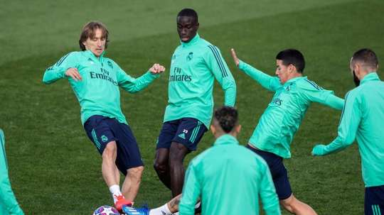 'Si j'étais James, je partirais du Real Madrid en courant'. EFE