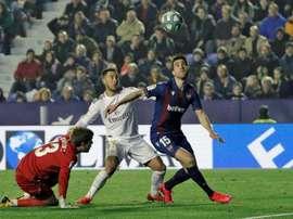 Eden Hazard teve qualidades destacadas por adversário da Real Sociedad. EFE/Manuel Bruque/Arquivo