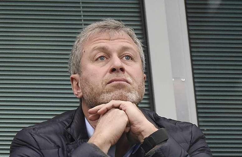 Chelsea quer incorporar três jogadores que estão na mira de meio mundo. EFE/EPA/FACUNDO ARRIZABALAGA