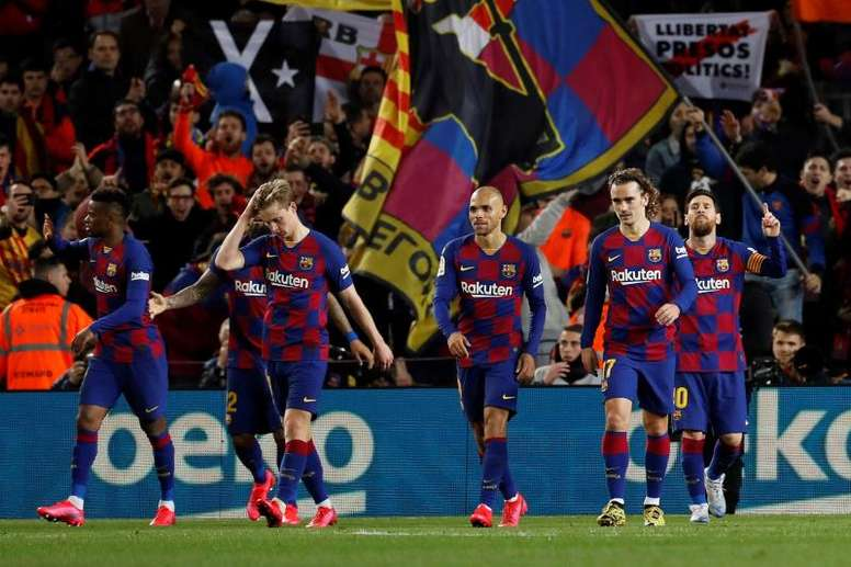 Les joueurs du Barça sceptiques à une baisse des salaires. EFE