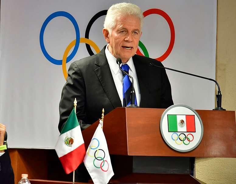 Fotografía del 22 de marzo de 2020, cedida por el Comité Olímpico de México, que muestra a su presidente, Carlos Padilla, durante una declaración, en Ciudad de México (México). EFE/ Comité Olímpico Mexicano SOLO USO EDITORAL/NO VENTAS