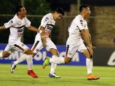 Los jugadores de General Díaz lleva meses sin cobrar. EFE/Andrés Cristaldo/Archivo