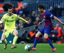 Le Barça aurait changer de plans concernant Cucurella. EFE