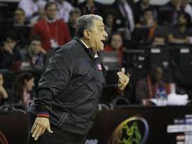 En la imagen, el técnico de baloncesto puertorriqueño Flor Meléndez. EFE/Leo La Valle/Archivo