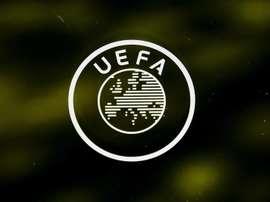 La UEFA busca cómo cerrar la temporada buenamente. EFE