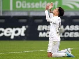 El fútbol se verá obligado a hacer trueques y Coutinho no se salvará. EFE