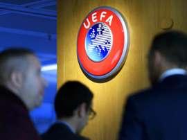 UEFA segue analisando cenários e prevendo o futuro das competições. EFE/EPA/LAURENT GILLIERON