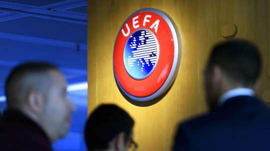 La UEFA tomó una decisión. EFE