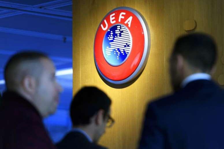 Finir les championnats, la grande priorité de l'UEFA. Goal
