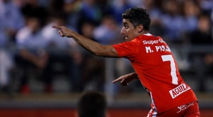 Pisano estaría encantado de jugar algún día en Boca Juniors. EFE