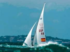 La embarcación de los españoles, Jordi Xammar y Nicolás Rodríguez, en la 50 edición del Trofeo Princesa Sofía Iberostar en la Bahía de Palma. EFE/ Cati Cladera/Archivo
