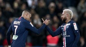Mbappé e Neymar ficam PSG. EFE