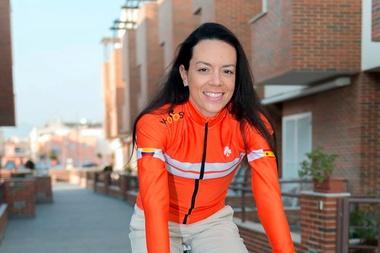 La ciclista colombiana del Colnago CM Carolina Upegui explicó que su equipo busca ser el próximo año el primer equipo femenino latinoamericano en la categoría World Tour y así convertirse en un modelo de ciclismo de nivel mundial. EFE/Colnago Cm