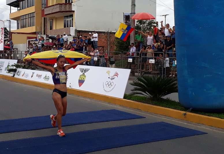 En la imagen un registro de la marchista ecuatoriana Glenda Morejón. EFE/Fabián Navarro/Archivo
