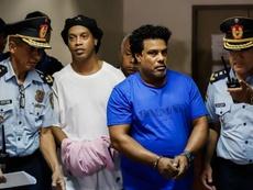 Ronaldinho abandonará la cárcel en la que ha pasado un mes. EFE/Archivo