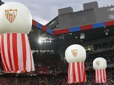 El Sevilla tuvo que tomar la medida. EFE
