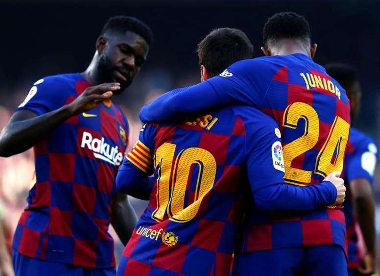 Umtiti se niega a salir del Barça. EFE